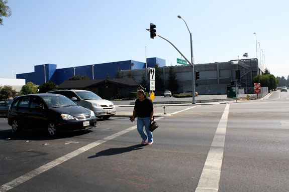 Divided by a highway east palo alto looks to reconnect for Park avenue motors mercedes benz palo alto