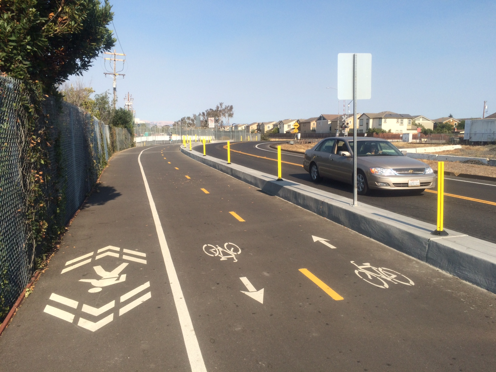 South Bay Cities Build Region S First Separated Bike Lanes
